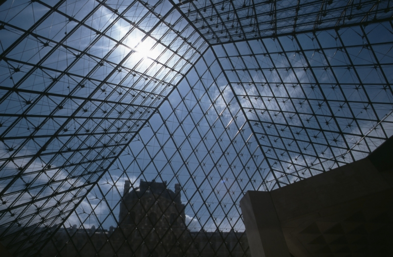Glaspyramide-Louvre