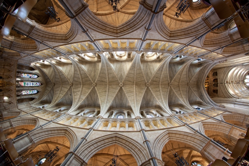 Southwalk-Kirchenschiff_London