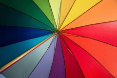 Regenbogenfarben auf einem Regenschirm II